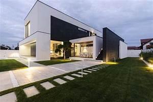 Noir  U0026 Blanc Volumes D U00e9finissant C Moderne Maison  U00e0