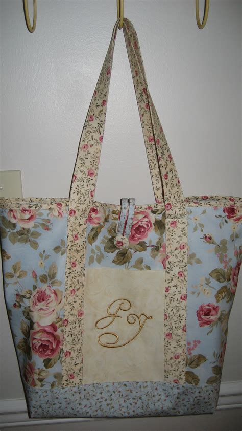 shabby chic monogrammed tote sewing projects burdastylecom