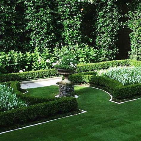 formal gardens ideas  pinterest courtyard