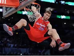 Sean s Sports Spot  NB...Blake Griffin Dunk On Lebron James