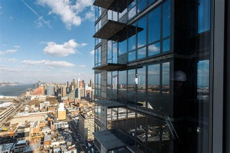 Rental Nyc by New York S New Rentals Smaller Apartments More Perks