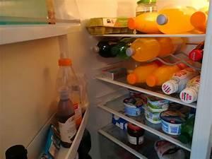 Kühlschrank Geruch Entfernen : mein k hlschrank stinkt was tun bei unangenehmen geruch und gestank ~ Frokenaadalensverden.com Haus und Dekorationen