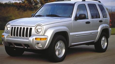 older jeep vehicles chrysler agrees to recall of 2 7 million jeep vehicles