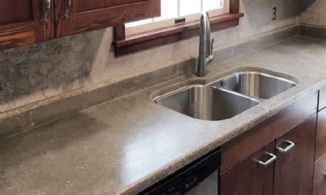 carpenters  time building concrete countertops