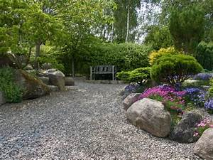 Garten Mit Steinen Anlegen : gartengestaltung mit kies und steinen 25 gartenideen f r sie ~ Markanthonyermac.com Haus und Dekorationen