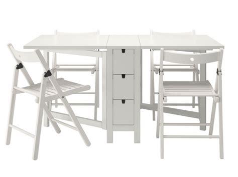 petit bureau pliable table chaises pliantes ikea chaque cm compte quand on