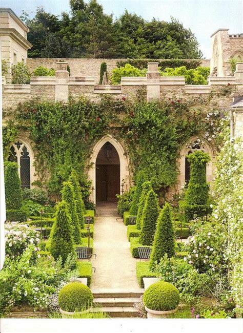 alle jardin gravier free trendy decoration allee de jardin gravier blanc pour le jardin astuces