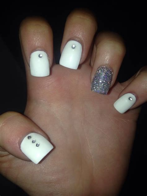 stunning prom nails ideas  rock   special day