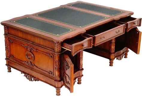 le de bureau style anglais bureau ambassadeur style anglais acajou caister meuble