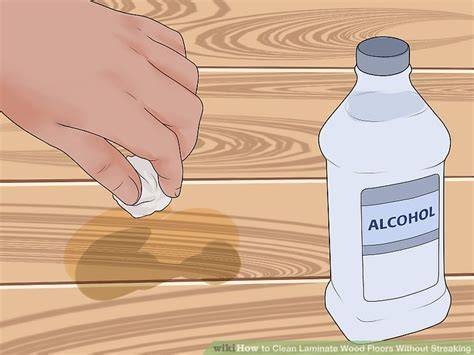 3 Ways to Clean Laminate Wood Floors Without Streaking