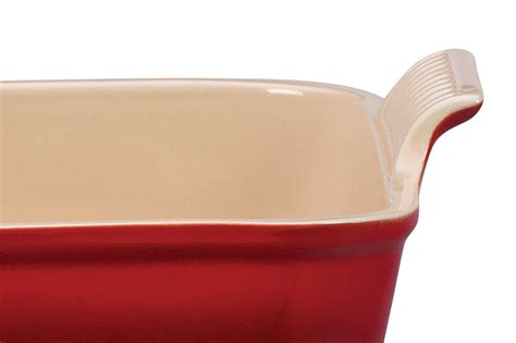 le creuset stoneware heritage bakeware set  piece cherry red cutlery