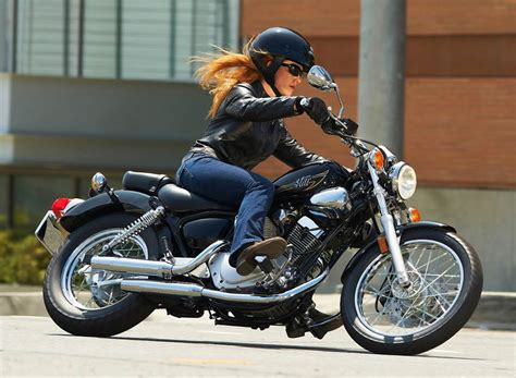 The Growth In Women Motorcycle Riders
