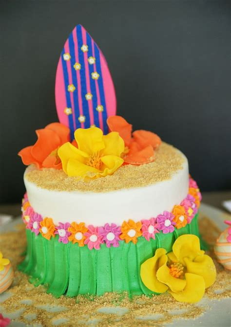 ideas  hawaiian theme cakes  pinterest