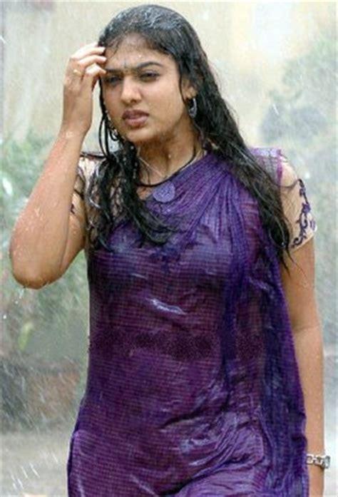 hollybeauties wet nayanthara
