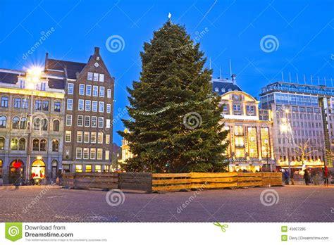 weihnachten in den niederlanden damsquare in amsterdam am weihnachten in den niederlanden