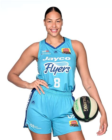 Liz cambage is in a hurry. WNBA All Star Elizabeth Liz Cambage Challenges Men To 1v1 ...
