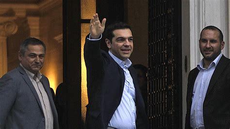 bureau du premier ministre grèce le nouveau premier ministre tsipras dévoile