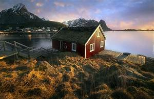 Dom Nad Jeziorem : dom nad jeziorem w norweskiej wiosce reine ~ Markanthonyermac.com Haus und Dekorationen