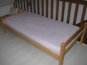 Canape Une Place Lit : transformation d 39 un lit en banquette ~ Premium-room.com Idées de Décoration