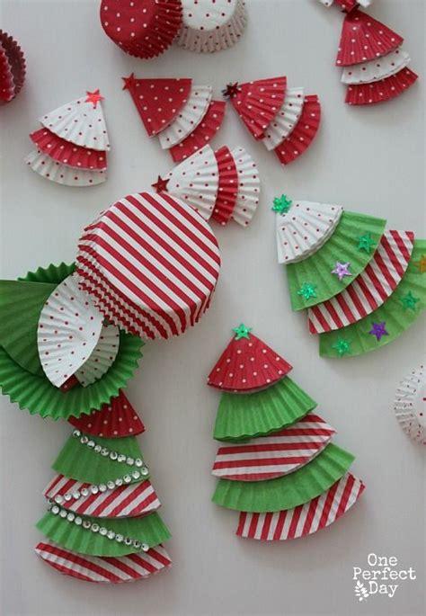 christmas crafts for 10 year olds c 243 mo hacer adornos reciclados con envoltorios de pasteles usados