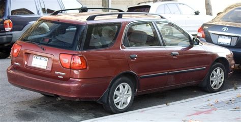 File:2000 Suzuki Esteem Wagon.jpg - Wikimedia Commons