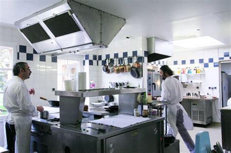 la cuisine les tonnelles sur l internaute restaurant