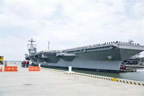 Powerful Images Of The Gerald R. Ford Aircraft Carrier ...