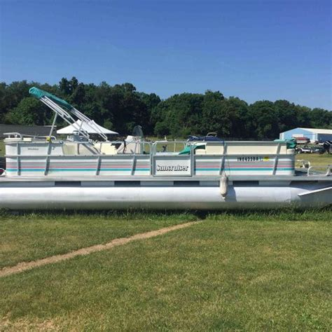 Suncruiser Deck Boat by Suncruiser New And Used Boats For Sale In In