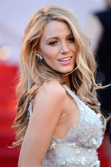 Celebrity Hairstyles: Beauty Blake Lively Signature Wavy