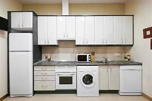 Refrigerateur Pose Libre Dans Une Niche : pvc kitchen cabinets pvc doors manufacturers in uaeadriatic kitchens ~ Melissatoandfro.com Idées de Décoration