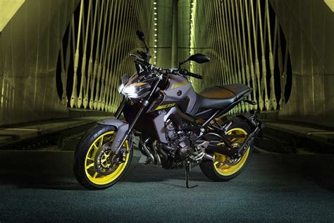 yamaha mt   launched  india  inr  lakh