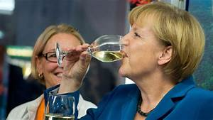 Merkel's party wins German election with 41.5%, no ...