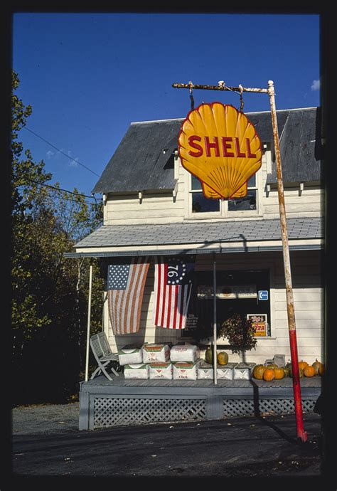 Oct 16, 2014 · the shell credit card has a $0 annual fee and offers a long list of rebates to people with good credit or better who regularly fill up at shell stations. File:Shell Gas sign and general store, Olivebridge, New York LOC 38290233531.jpg - Wikimedia Commons