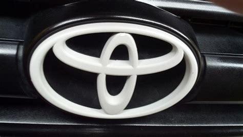 cool toyota logos white toyota logo cool toyota emblem pics pinterest