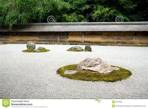 zen garden rock kyoto japan royalty temple gravel japanese lanterns fifteen ryoanji stones 2008 dreamstime
