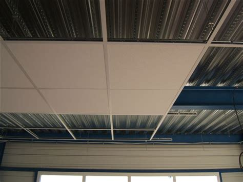 plaque faux plafond 120x60 dalle plafond suspendu 120x60 maison travaux