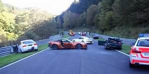 Delai Reparation Voiture Apres Accident : carambolage au circuit du n rburgring 1001moteurs ~ Gottalentnigeria.com Avis de Voitures