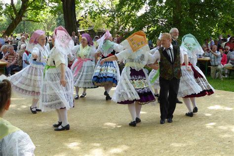 kurzgeschichte die tracht tanzt im spreewald von juergen
