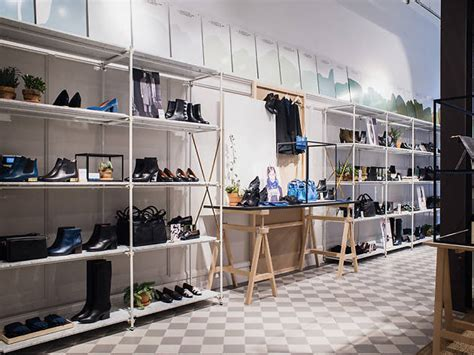 Best Shoe Shops by Best Shoe Stores For Sneakers Sandals Boots And Heels In Nyc