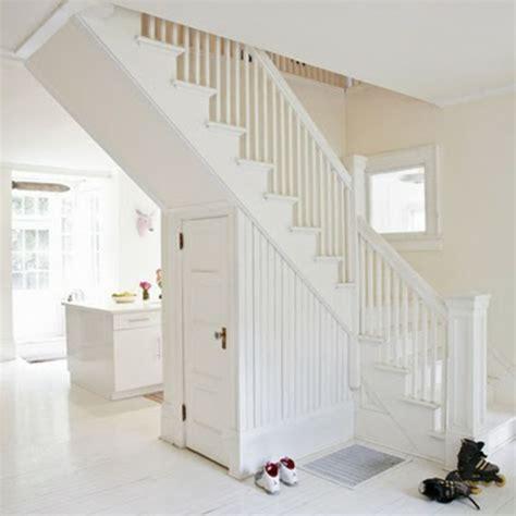 flur gestalten mit treppe wei 223 e treppen schlichte und minimalistische einheit