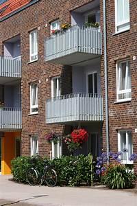 Unterschied Balkon Terrasse : datei balkon und terrasse jpg wikipedia ~ Lizthompson.info Haus und Dekorationen