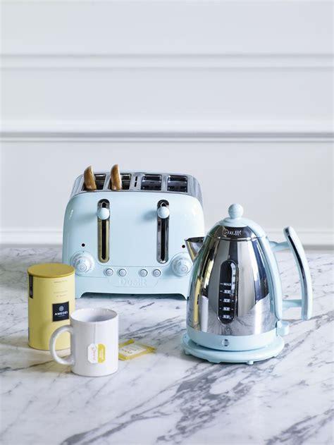 lighten  kitchen   gorgeous sky blue kettle