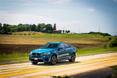 bmw jeep comparison bmw x6 m 2016 vs jeep grand cherokee srt