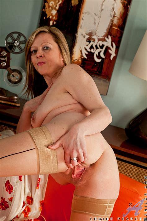 Louise Pearce Polish Her Moist Pearl Milf Fox