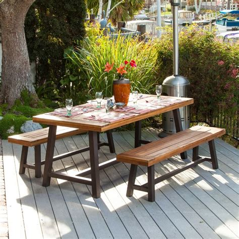 Backyard Table by 31 Alluring Picnic Table Ideas