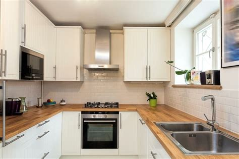 Einrichtung Kleiner Kuechemoderne Kleine Kueche Im Wohnzimmer 3 by Moderne K 252 Che In U Form Kochkomfort Inmitten