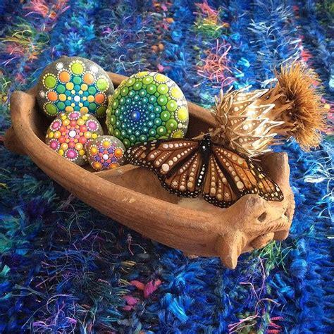 Eine Farbenfrohe Zimmer Und Gartendeko Mit Steinen eine farbenfrohe zimmer und gartendeko mit steinen