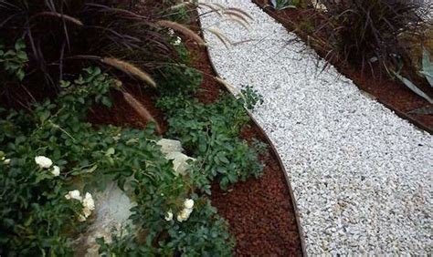 ghiaia da giardino prezzi come fare un vialetto di ghiaia idee green