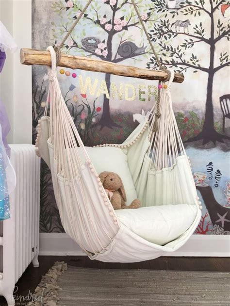 ways  incorporate hammocks   interior shelterness