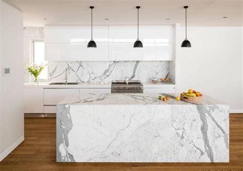 marbre de cuisine statuaire îlot et plan de travail de cuisine élégant